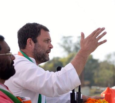 Modi's voice feebler than that of mouse: Rahul