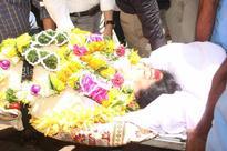 In pics: Rishi, Aamir, Kajol & others pay their last respect to Reema Lagoo - News