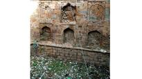 Qutub baoli lies neglected, Mehrauli thirsts for water