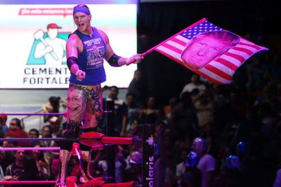 US wrestler in Mexico channels hatred of Trump in the ring