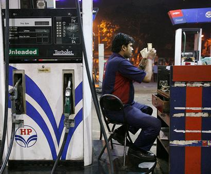 Petrol pumps withdraw strike over daily price revision
