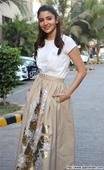 Anushka, Swara, Bipasha-Karan, Shilpa-Shamita spotted at various locations - News