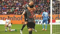 Lewandowski, Robben help Bayern floor Augsburg again