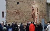 German town accepts controversial Karl Marx statue from China