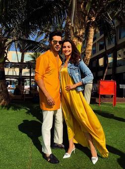 Like Alia Bhatt's off-screen looks? VOTE!