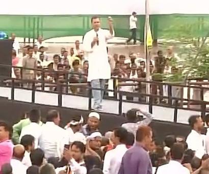 Rockstar Rahul sounds poll bugle in UP, chants 'suit-boot sarkar' again