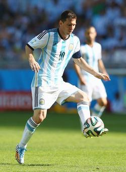 Messi, Sanchez and Alves headline final Copa rosters