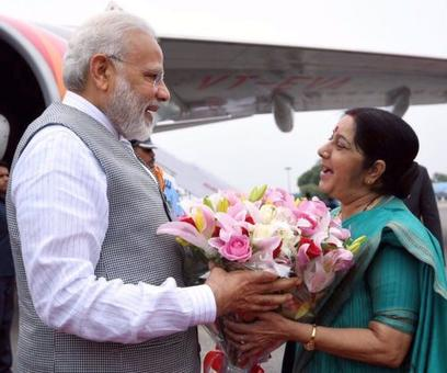 Sushma receives PM at airport