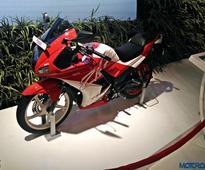 Auto Expo 2016: Hero Karizma R, ZMR get dual tone paint job, no mechanical updates