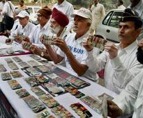 OROP notification: Ex servicemen suspend One Rank One Pension agitation, to take fight to SC