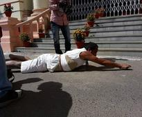 Bihar MLA's Gandhigiri as he reaches Assembly with bruised knees in shorts