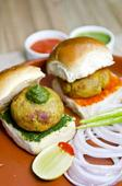 Food: Top 5 must-try snacks of Mumbai and the best places to enjoy them