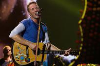 Last Christmas: Coldplays Chris Martin sings George Michael