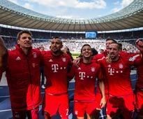 Bayern made to wait for historic fourth straig... R-L) Bayern Munich paleys Thomas Mueller, Arturo Vidal, Thiago Alcantara, Ro...