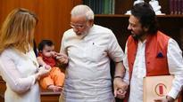 PM Narendra Modi welcomes Pakistan-origin Indian singer Adnan Sami's daughter