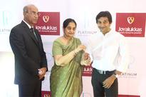 Narain Karthikeyan and his mother celebrate their special bond with precious and eternal platinum jewellery by Joyalukkas