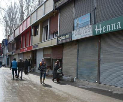 Kashmir's economy suffers body blow, Rs 6,400 cr loss in 49 days