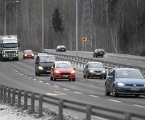 YLE: Berner to propose car registration tax be replaced with road-use charges