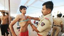 Centre wants cops with tucked in tummy and fighting-fit fitness level