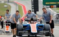 Role reversal: Hamilton chasing Rosberg at US Grand Prix