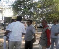 TTV Dinakaran meets Sasikala Natarajan in jail