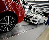 Daimler invests $3.35 billion in clean diesel technology