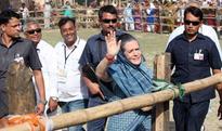 Spotlight on Signora Gandhi riles Congress leaders