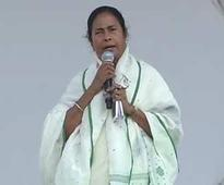 Not disappointed, says Mamata, stood up by Anna