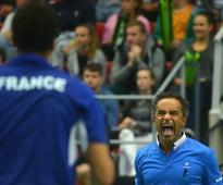 Tsonga leads France into Davis Cup semi-finals