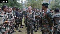 Northern Army Commander visits Uri, takes stock of security