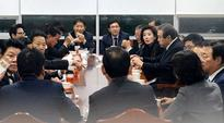 Saenuri lawmakers push for Lee to resign