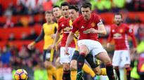 Carrick sees signs United are moving on from Fergie era