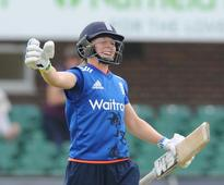 Heather Knight on record form as England cruise to victory