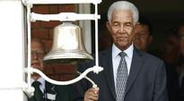 Gary Sobers leads Lord's tribute to Muhammad Ali