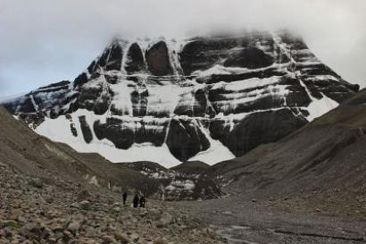 Kailash yatris stuck as China closes gates over Tibet landslide