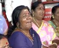 Jayalalithaa put on heart assistance device after cardiac arrest