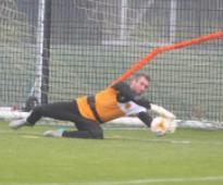 Scotland & Hull City goalkeeper Allan McGregor makes long-awaited return from…