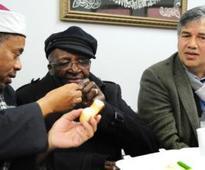 Breaking bread unites interfaith relations in city