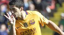 Barca down Levante to equal unbeaten record