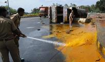 Oil-carrying tanker lorry capsizes near Ganesha Point