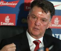 Twitter reacts to Manchester United's sacking of Louis van Gaal