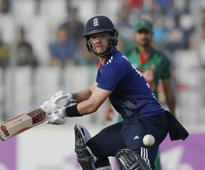 Ben Duckett preferred to Haseeb Hameed as England decide to bat in first Test