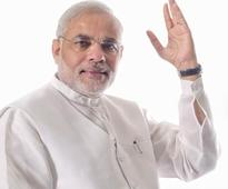 Big B`s special gesture for NaMo?