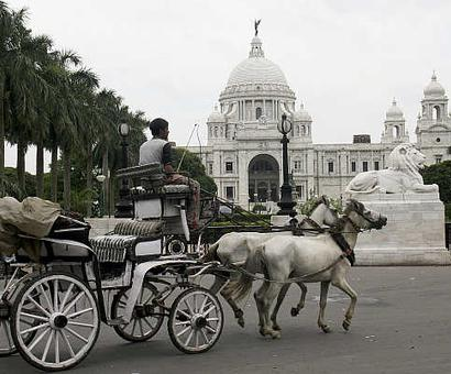 Queen Victorias last letter to India unveiled at Victoria Memorial