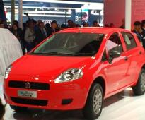 Fiat rolls out hatchback Punto Pure at Rs 4.49 lakh