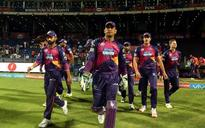 Angry Dhoni slams new-ball bowlers after Pune suffer another defeat