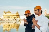 Sushant-Kriti's RAABTA shoot begins & ends at Golden Temple! - News