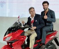 Stars Dazzle the Indian Auto Expo 2016