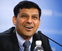 Rajan meets Jaitley, talks on RBI monetary policy panel
