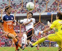 Koroki sparks title-chasing Reds past Albirex